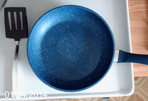 Flavourstone Cookware frying pan with large area of coating missing